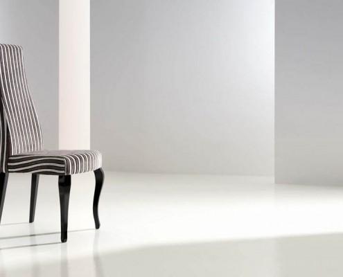 Silla clasica tapizada Rea